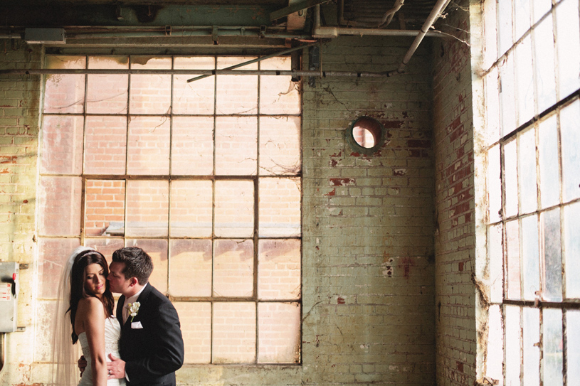 wedding at the old sugar mill in clarksburg by heather elizabeth photography