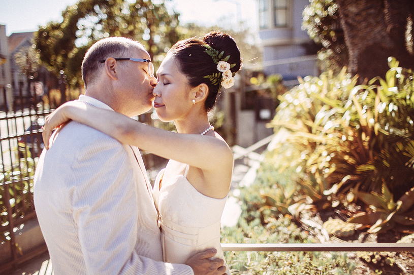 Romantic wedding photography at the Sunnyside Conservatory in San Francisco by Heather Elizabeth Photography