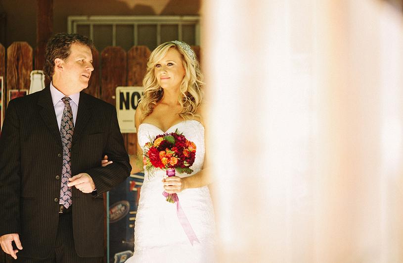 boho_hillbilly_country_chic_wedding_woodland_wedding013