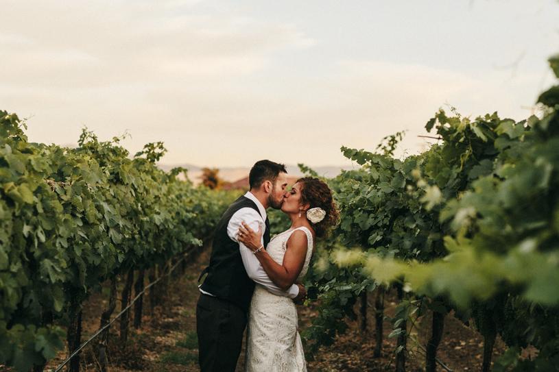wedding_windmillridge_winery_vintage_chic047