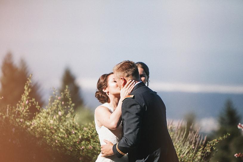 colorful-thomas-fogarty-winery-wedding027