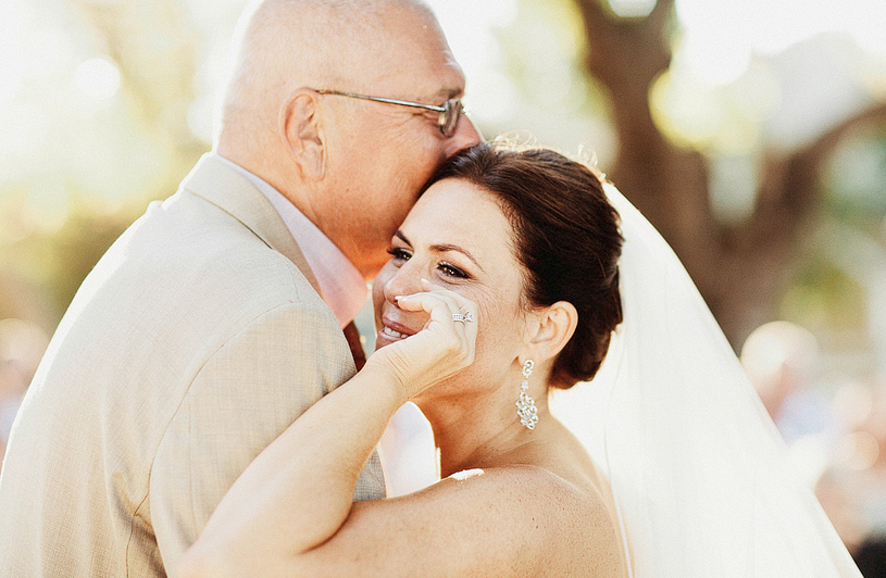 touching-parent-wedding-moments004