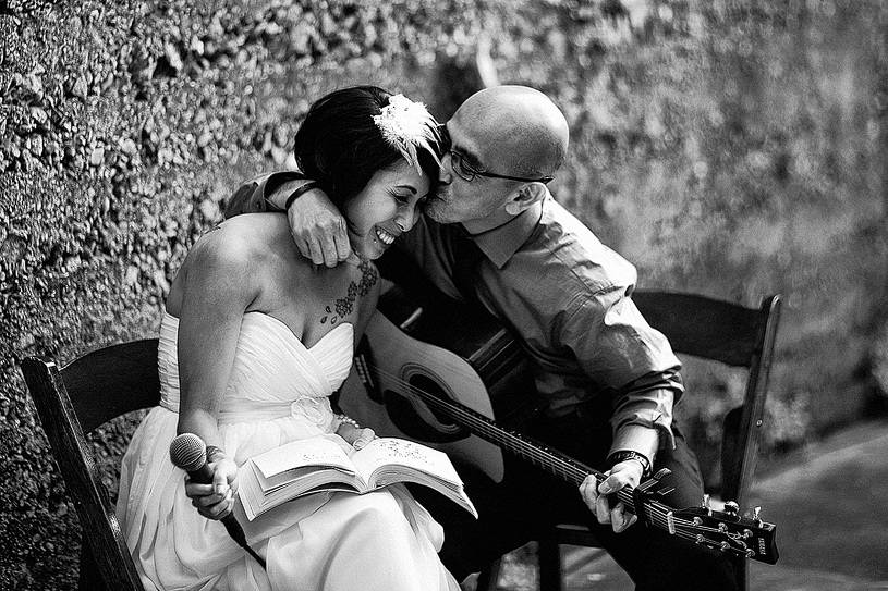 touching-parent-wedding-moments008
