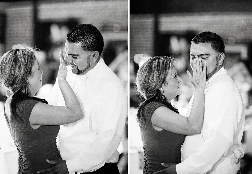touching-parent-wedding-moments016