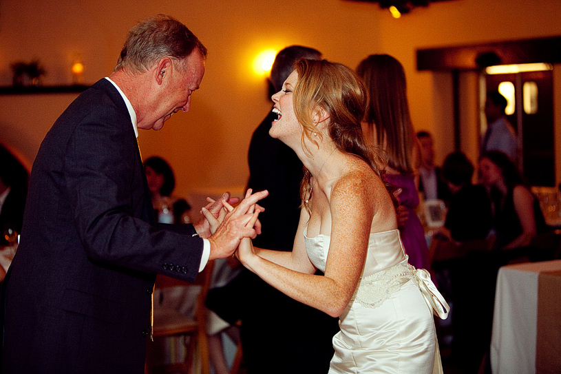 touching-parent-wedding-moments021