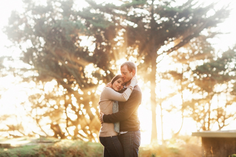 sunset rays for an engagement session in san francisco by heather elizabeth photography