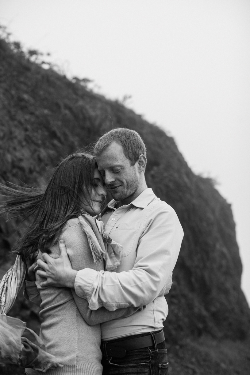 windy bernel heights engagement in san francisco by heather elizabeth photography