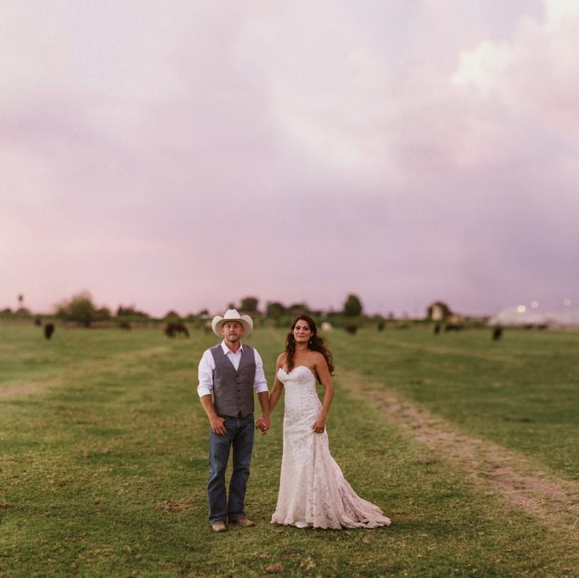 brenizer method at a farm barnyard wedding in central california by heather elizabeth photography