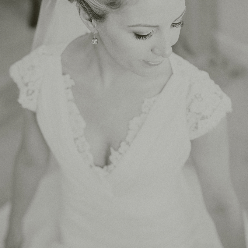 fine art bridal at the vine hill house by heather elizabeth photography