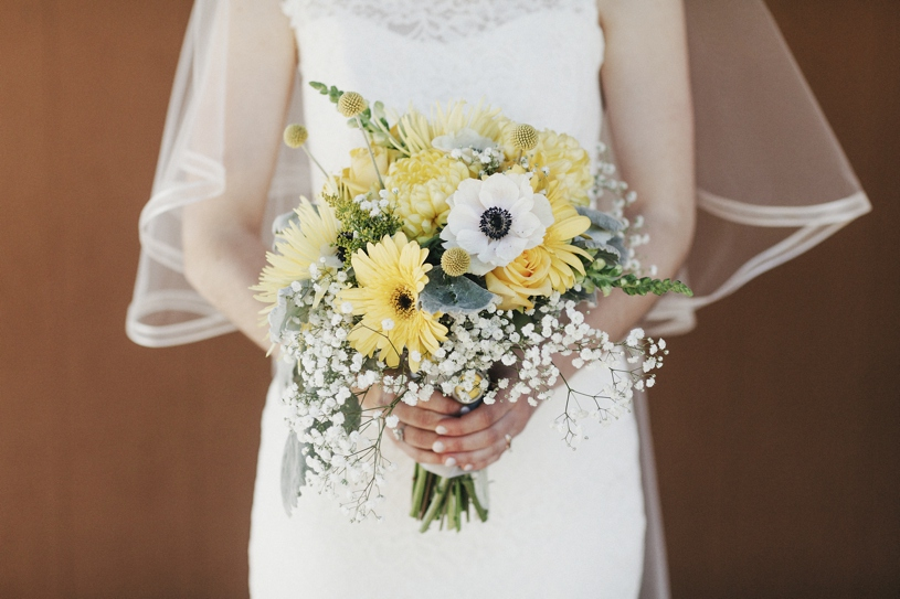 Florals by G rossi at a uc davis wedding by heather elizabeth photography