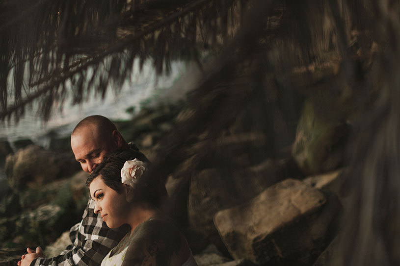 Tropical beach engagement in Benicia california of a tattooed couple by heather elizabeth photography