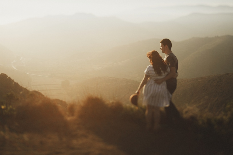 San Francisco Marin Headlands love session by Heather Elizabeth photography