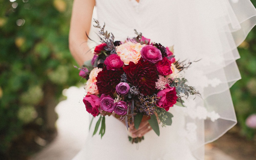 bridal fall bouquet at the vine hill house by heather elizabeth photography