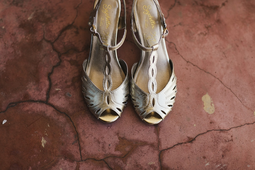 Bride's golden shoes at her wedding at el hotel convento in san juan puerto rico by heather elizabeth photography