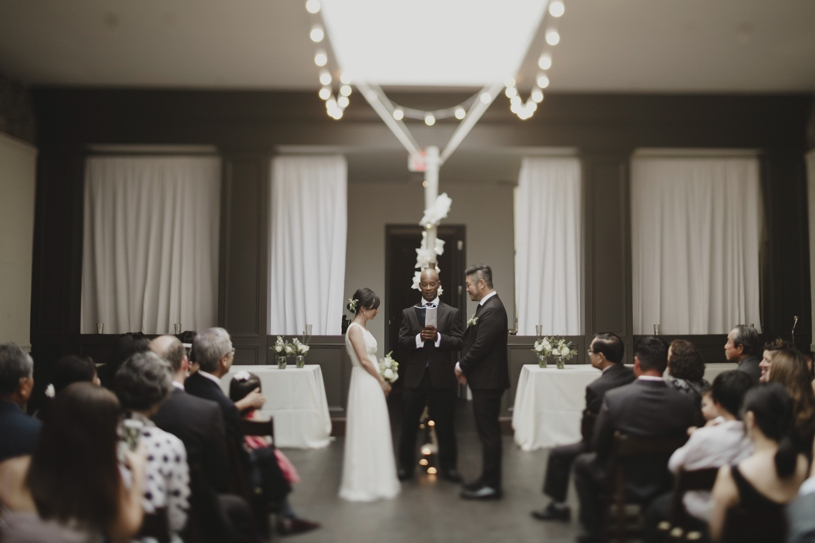 minimalistic modern wedding ceremony at firehouse 8 by heather elizabeth photography