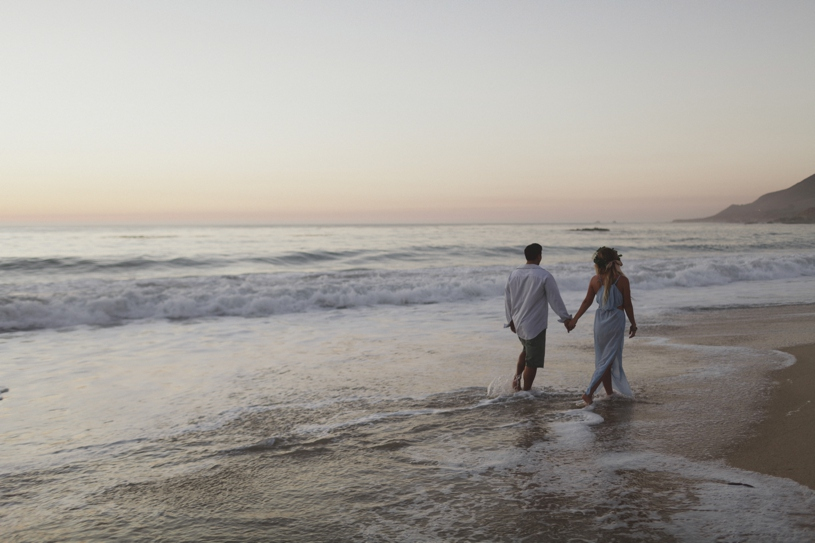 Romantic sunset portraits for a bohemian engagement session in Big Sur by Heather Elizabeth Photography