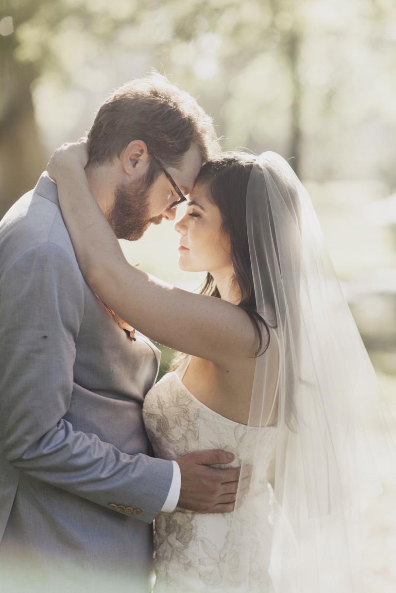 romantic artistic wedding photography of a bohemian modern couple in Sacramento by Heather Elizabeth Photography