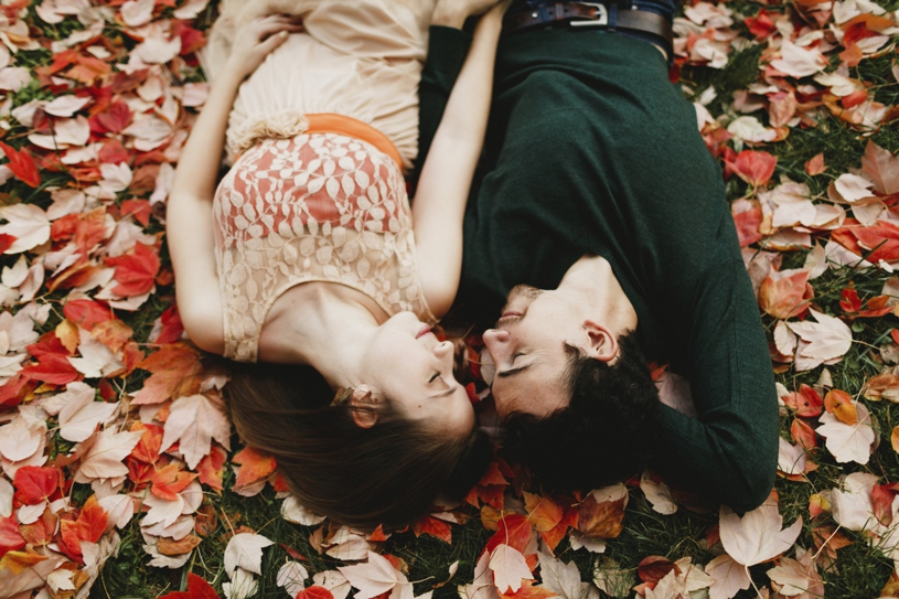 Fall leaves engagement session in Berkley by Heather Elizabeth Photography