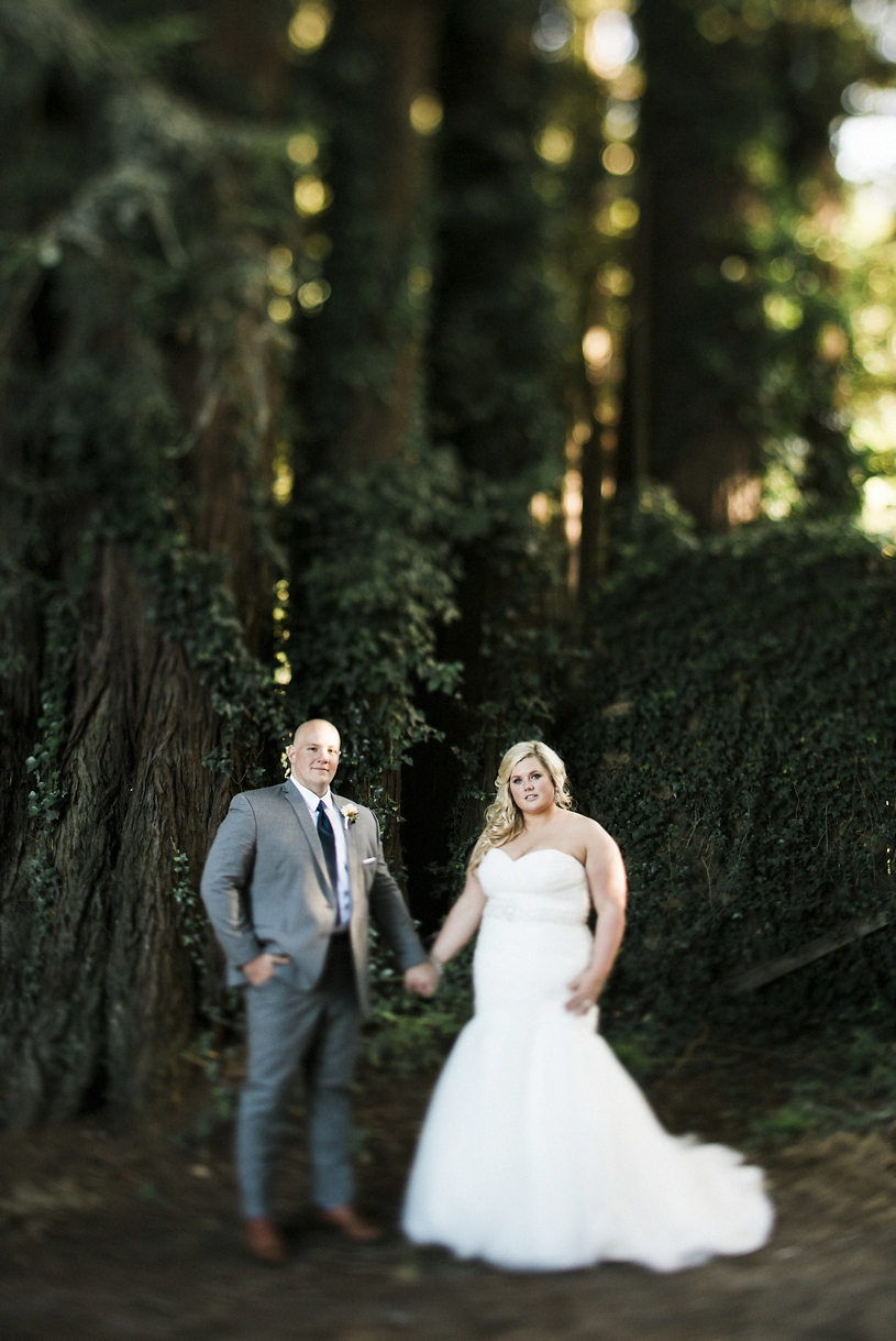sexy mermaid gown on a plus size bride at the Mountain Terrace by Heather Elizabeth Photography
