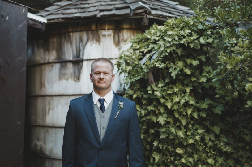 wildwood acres resort wedding with blue groom suit by heather elizabeth photography